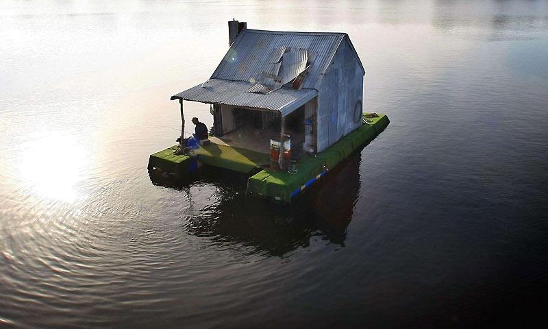 Consigli per Casa galleggiante con materiali di recupero Casa-in-barca